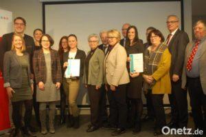 Realschule Kemnath und Mittelschule Eschenbach mit dem Hans-Weber-Preis ausgezeichnet